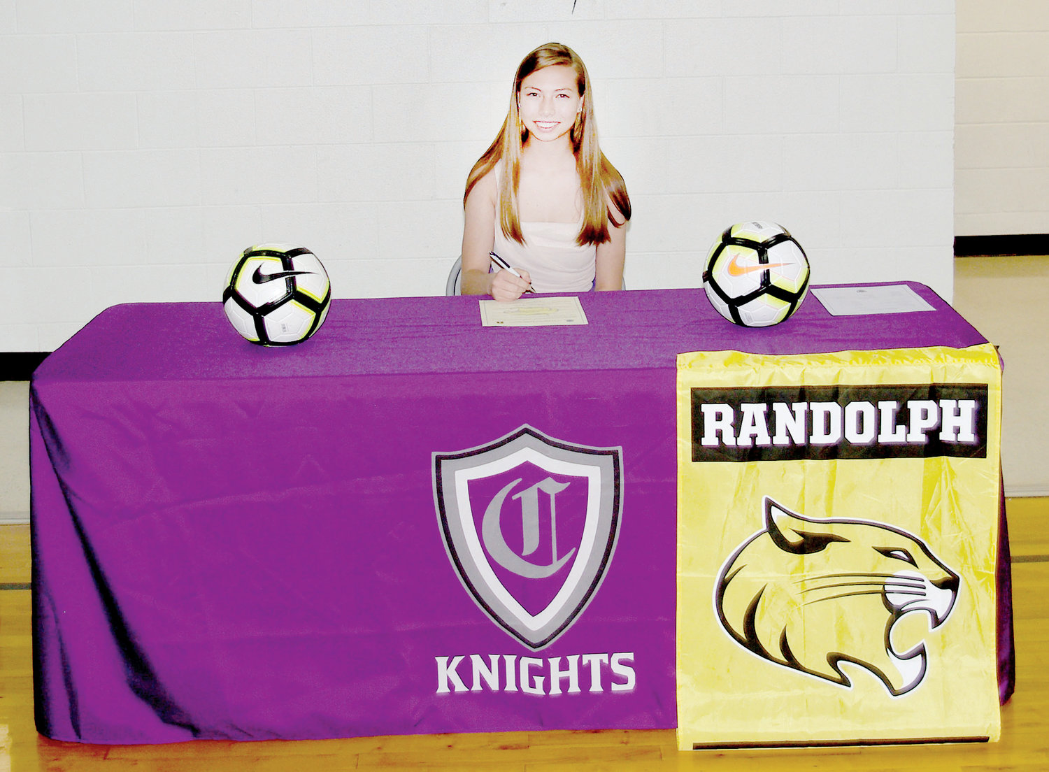 Ella Randall of Chatham Charter signed with Randolph College in Lynchburg, VA to continue her collegiate soccer career. Randall, a four time All-Conference performer, is the first Lady Knight to advance to play at the unversity level in soccer.