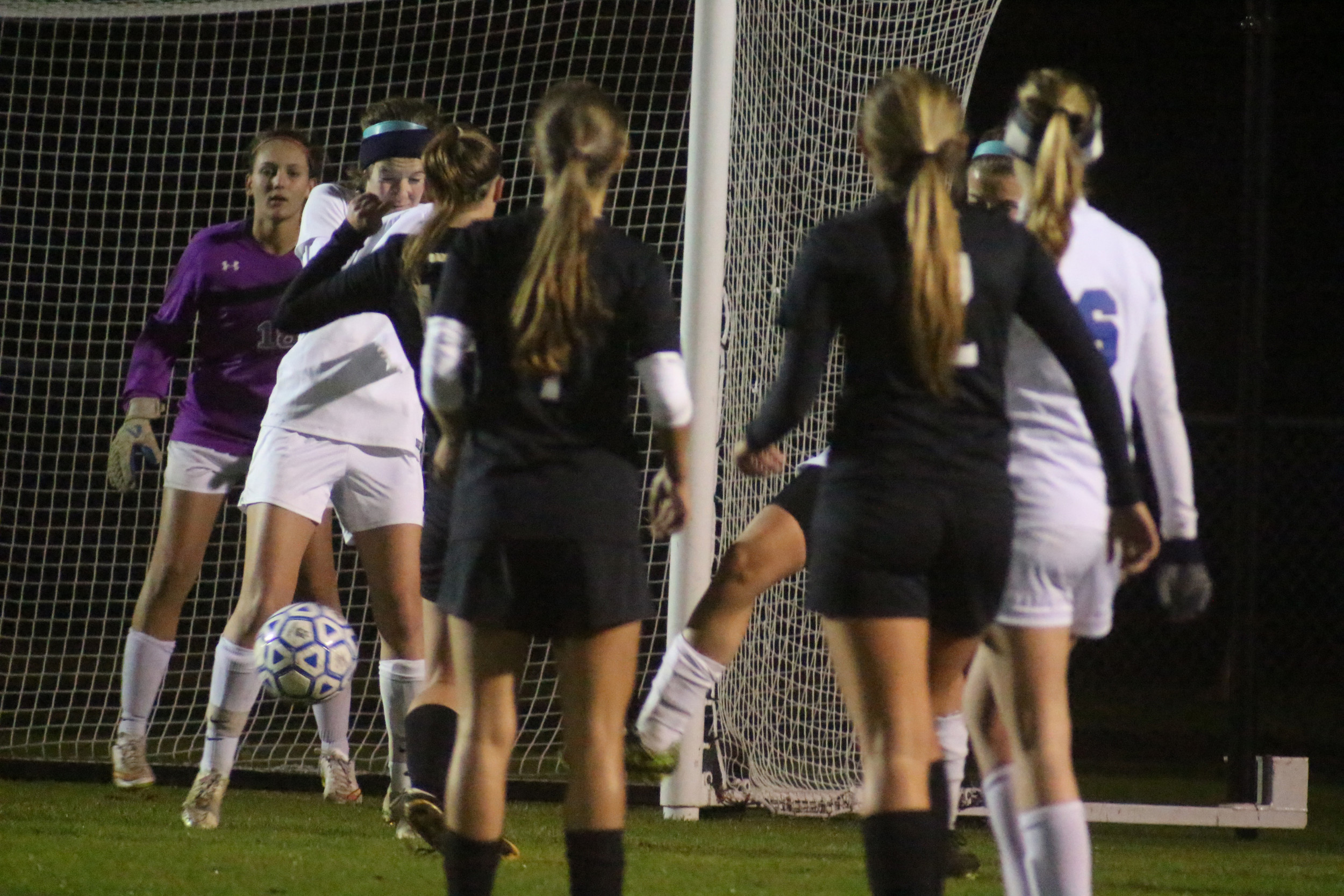 Oakleaf had plenty of opportunities for scores with six corner kicks against Bartram Trail.