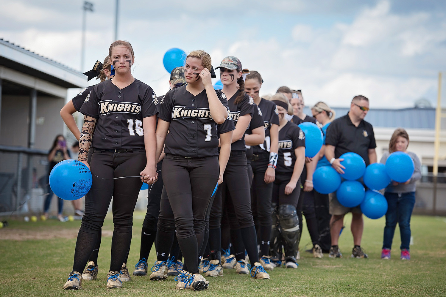 The Oakleaf High girls softball team paid tribute to long-time area baseball and softball coach Terry Thompson in Tuesday's season opener against Middleburg High School with balloons and a special tribute to the former Oakleaf High softball coach who passed away recently. Thompson was the brother of long-time Clay High baseball coach and an uncle to Oakleaf High softball coach Christine Thompson.