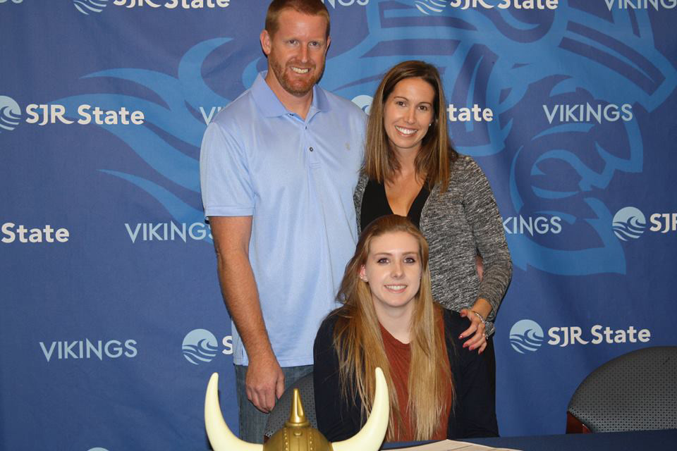 Clay volleyball signee