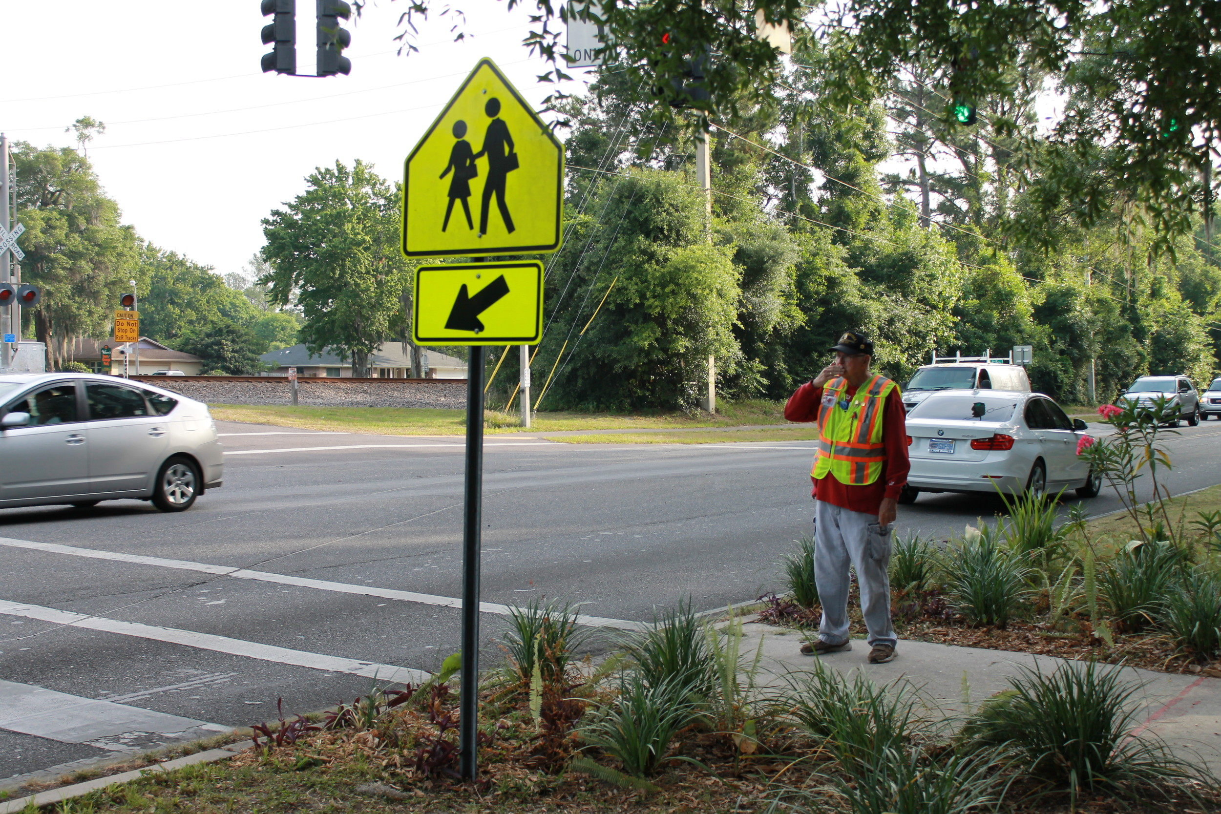 The crossing guard who crossed into people's hearts | Clay Today