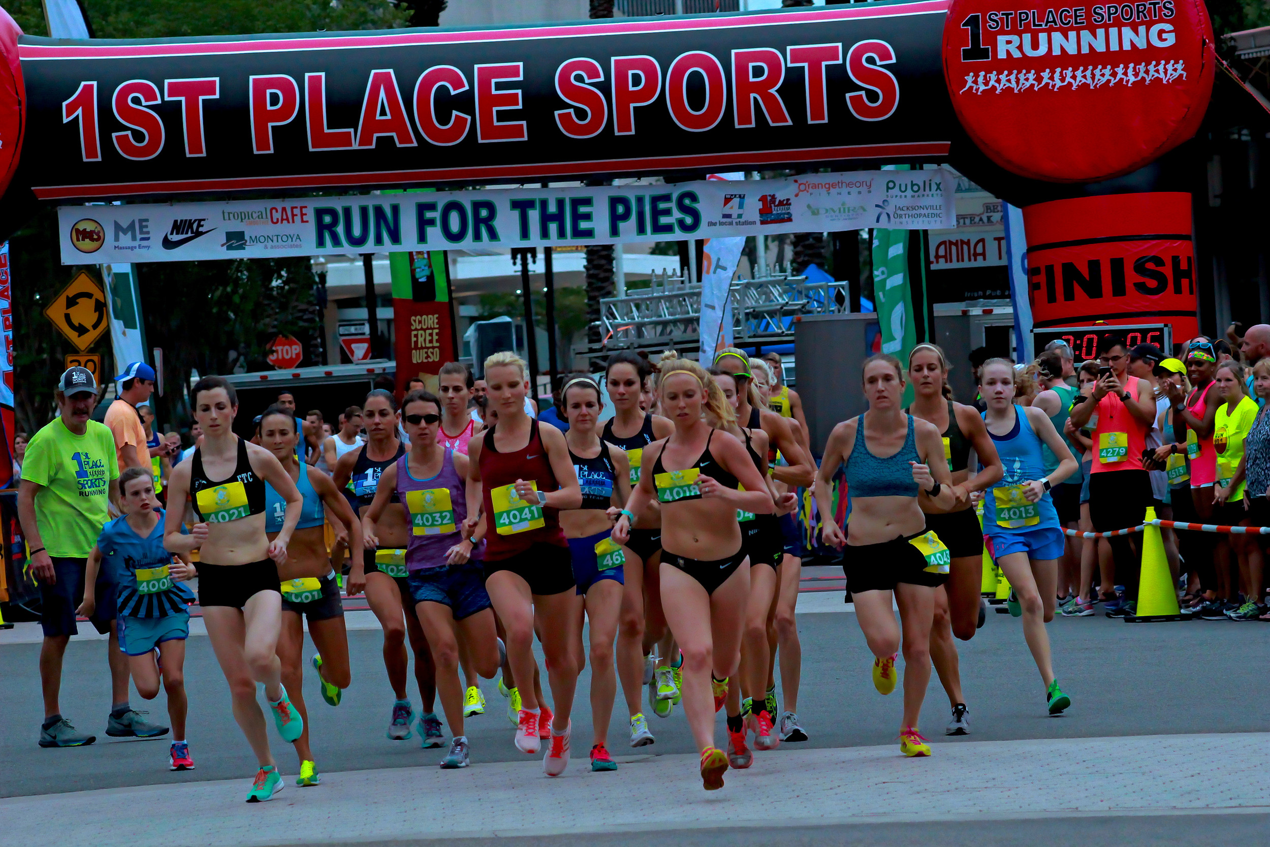 Run for pies 5K elite women's race takes off with 90 second lead on mens elite field.