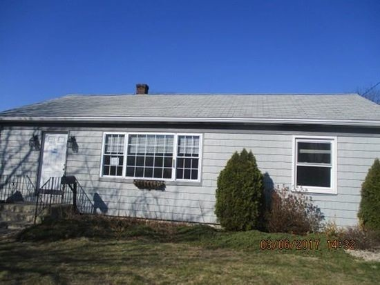102 Belleview Ave., Tiverton
