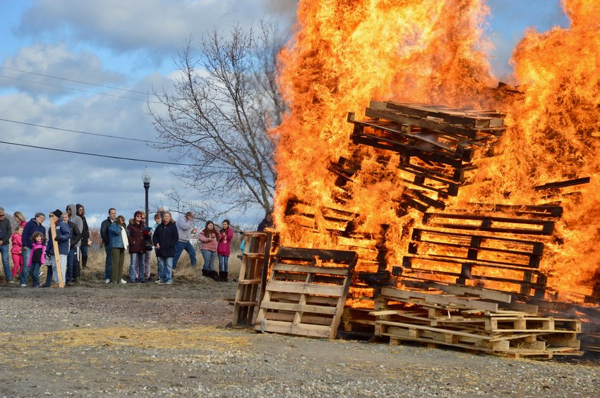 Expect balmier temperatures for the bonfire set for Saturday at Island Park Beach. This photo's from the New Year's Day plunge in 2019.