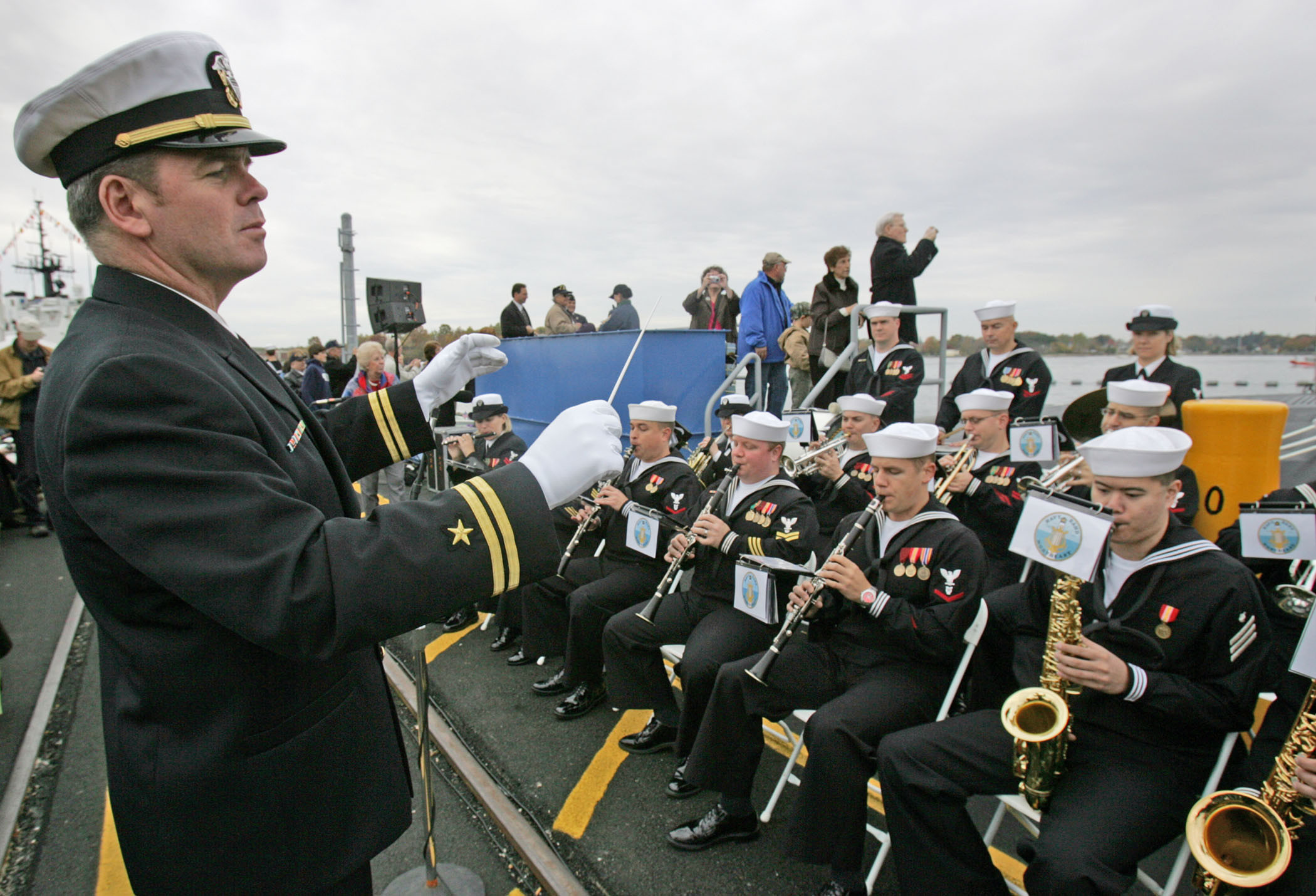 081025-N-7441H-002