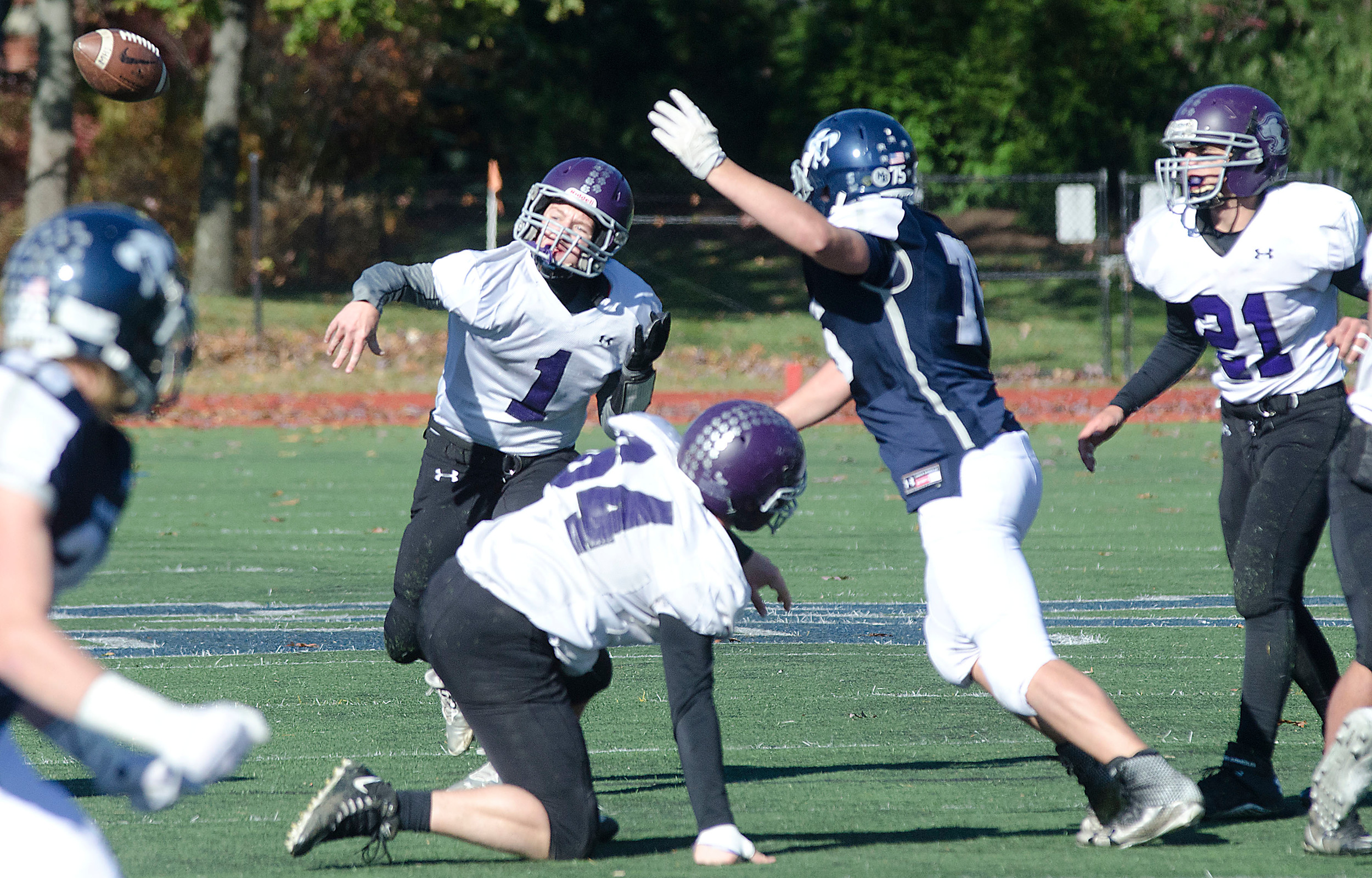 Matt DeFelice throws a pass to Max Moskala during a scoring drive in the first half.