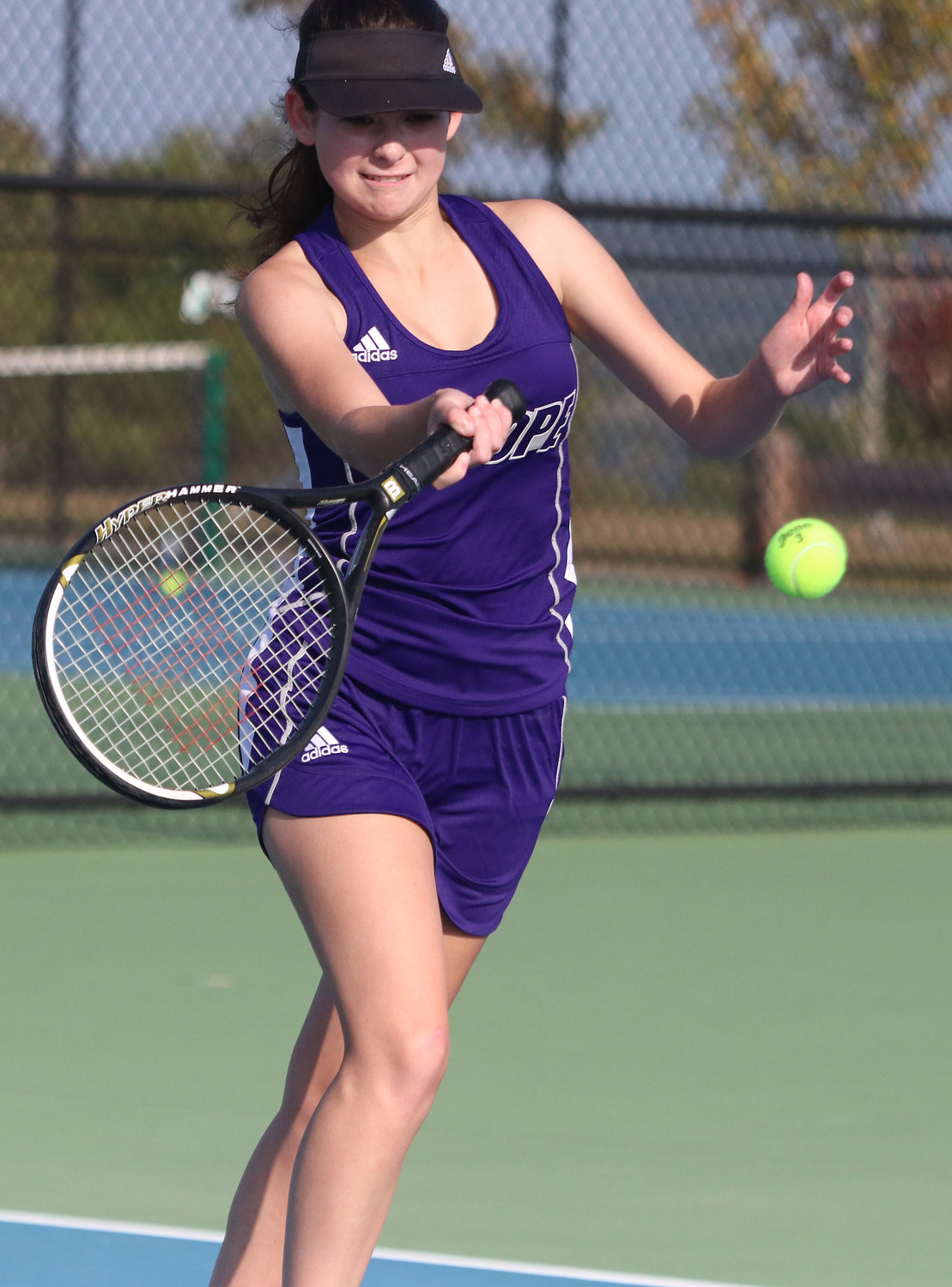 Sara Macedo lost her first match of the season to Portsmouth's Danielle Mazur in two sets.
