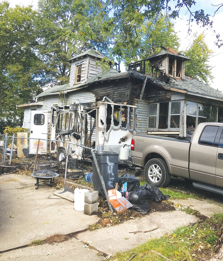 A Saturday afternoon fire claimed a food truck trailer and damaged nearby homes in Mexico. No one was injured. [Nathan Lilley photo]