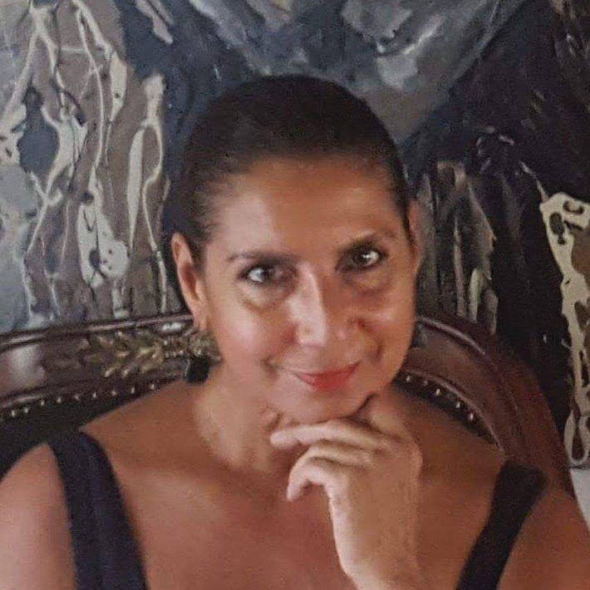 Rebecca Flores