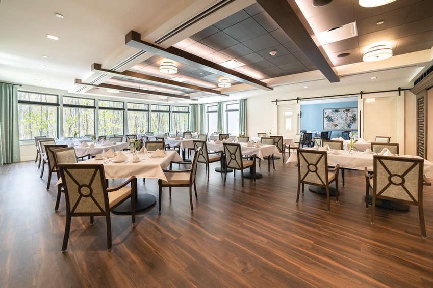 A welcoming social atmosphere greets residents and visitors to the Bistro at the Briarcliffe Preserve. Come visit this gorgeous dining room with its expansive views of nature, just outside its sun-bathed windows.