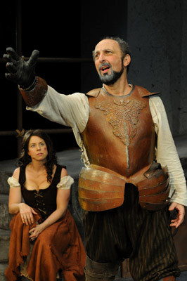 Bruce Wallace and Christine Rowan star as Don Quixote and Aldonza.