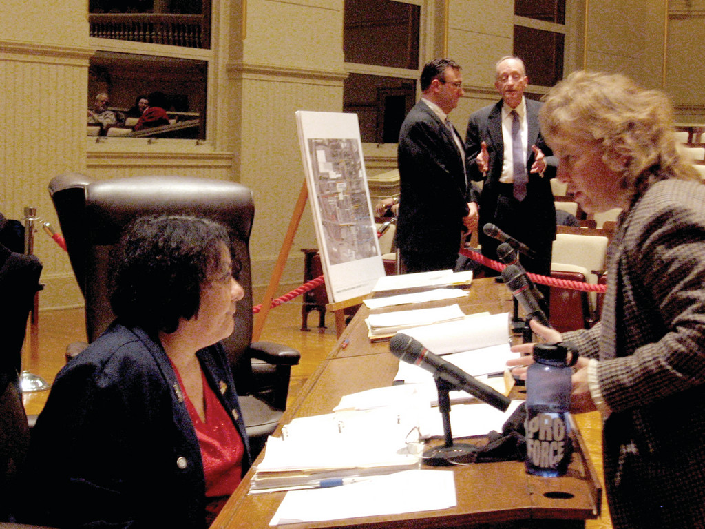 NOISE ISSUES: After a 40-minute debate about an ordinance regarding amendments to the city noise legislation, Ward 9 Councilman Steven Merolla withdrew it because businesses owners, as well as lawyers representing businesses, were opposed to it. Melanie Flamand (right), owner of the Carousel Grill at 859 Oakland Beach Avenue, speaks with her councilwoman, Donna Travis, who represents Ward 6, as Merolla chats with attorney John C. Revens.