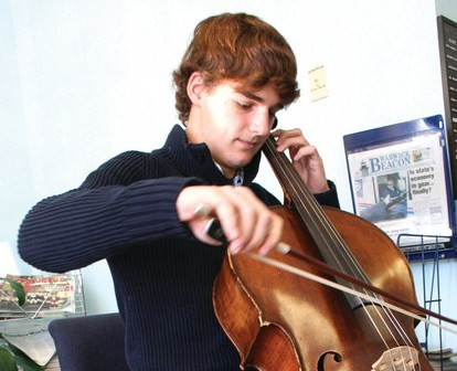 Teen cellist, Sam Adamo