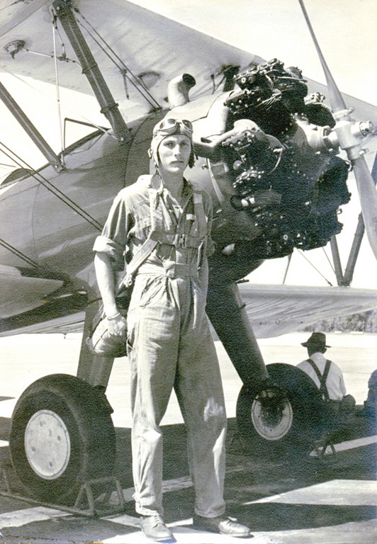 CAPTAIN BRUCE SUNDLUN around 1941. He would soon be in England flying a B-17 over Europe. Sundlun is the subject of an upcoming biography by Stephen Frater, and the writing of it is the subject of a course Frater is teaching at URI.