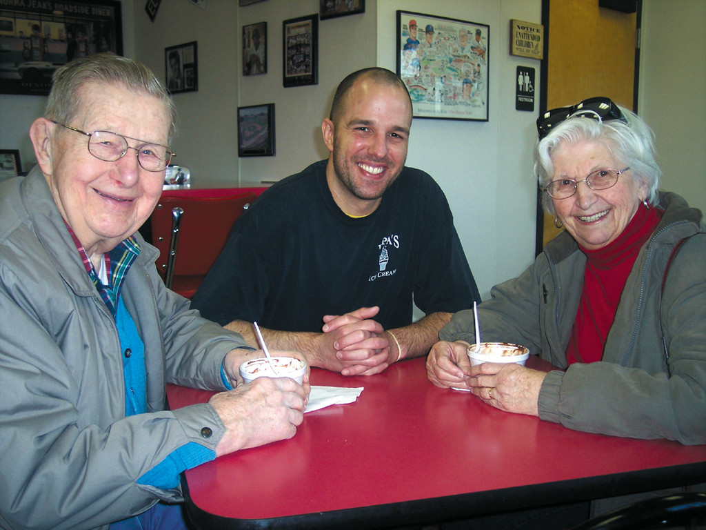 Paul Silva Jr. sits down to chat with first-timer fans Elmer and Patricia Ann Smith - married 60 years this fall.