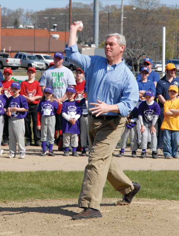 Mayor Scott Avedisian throws out the first pitch.