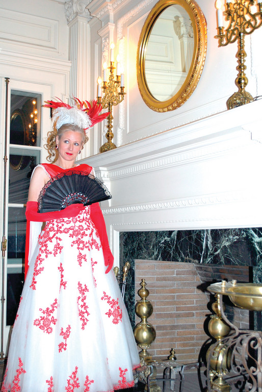 "LEADING LADY: Diana McVey is Hanna Glawari, Opera Providence's ""Merry Widow."""