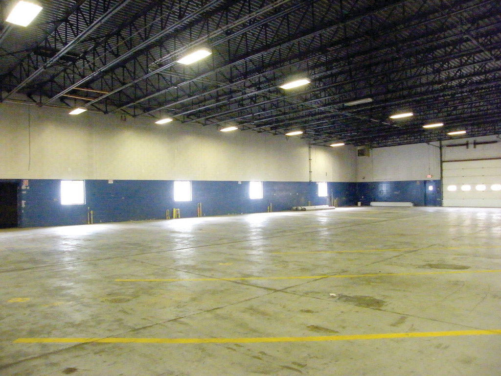 SOON TO BE A THEATER: The wide open space of the garage at the former Verizon Fios Headquarters at 1245 Jefferson Blvd. will soon be converted into a 420-seat theater.
