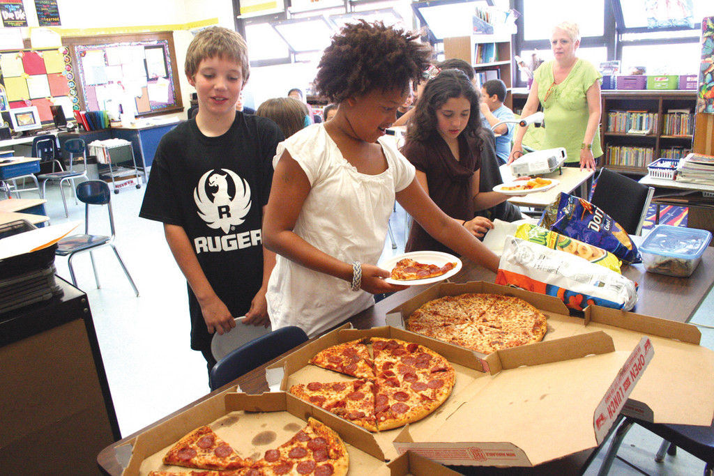 Fourth graders in the class of Anita Boyd got to enjoy pizza on the final day of school yesterday.