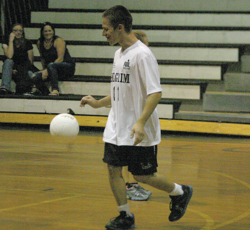 Mike Smith dribbles the ball in-between points.