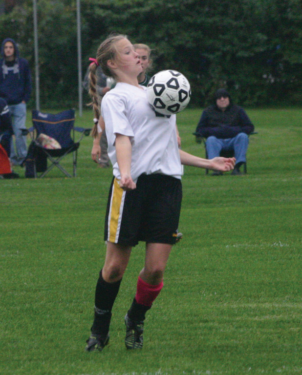Nicole Starkey settles the ball.