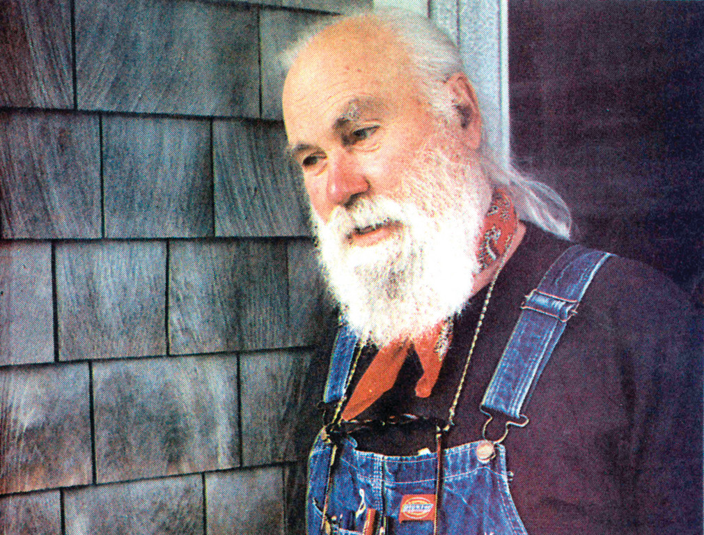 Richard Walton, an 84-year-old activist, writer and teacher, lost his battle with leukemia on Dec. 27, 2012. A longtime resident of Pawtuxet Village, Walton was known for his activism against poverty, homelessness and hunger.