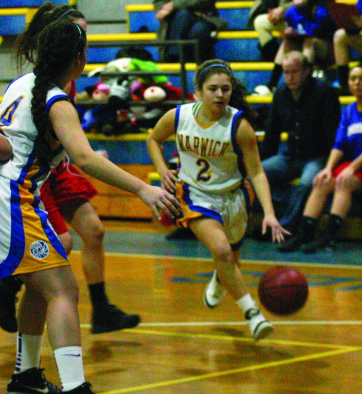 ON THE MOVE: Jenna Fontaine drives to the basket during Vets' game on Thursday.