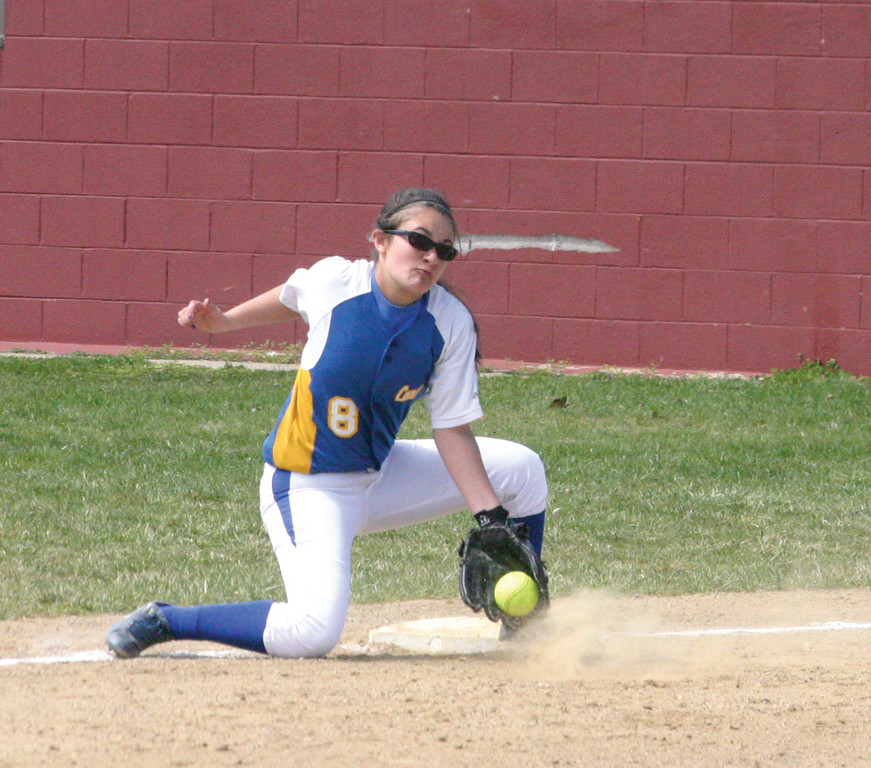SCOOP: Vets' Liz Iadevaia tries to block a ball at third base on Friday morning.