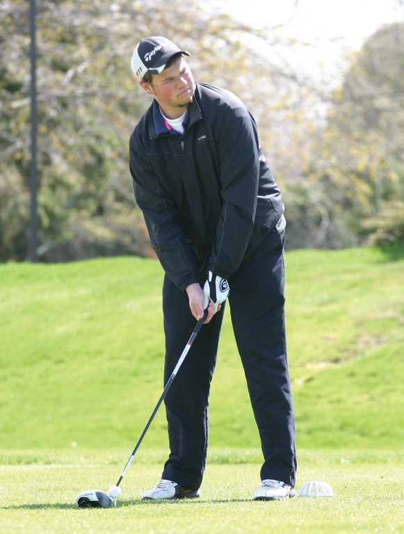LINING IT UP: Vet's Kyle Veyera gets set to tee off Monday.