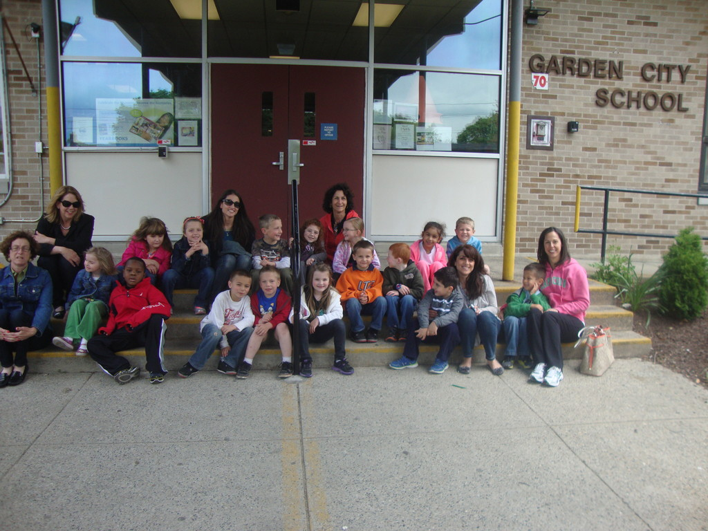little helpers the afternoon kindergarten students at garden city elementary school wait to hit the - Garden City Elementary School