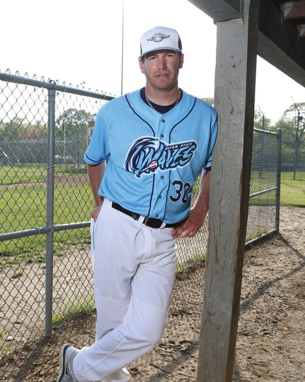 SUMMER  SCENE: Warwick native Phil Davidson will manage the Ocean State Waves, a new South Kingstown-based entry in the New England Collegiate Baseball League.