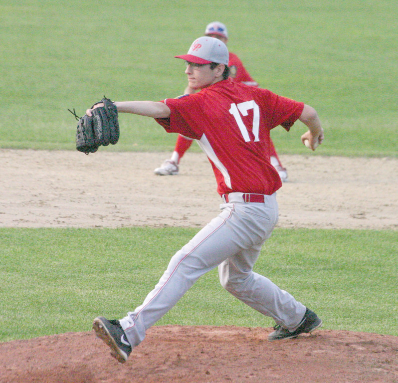 DELIVERING: Jake Newberry makes a pitch for Senerchia in Monday's game against Gershkoff.