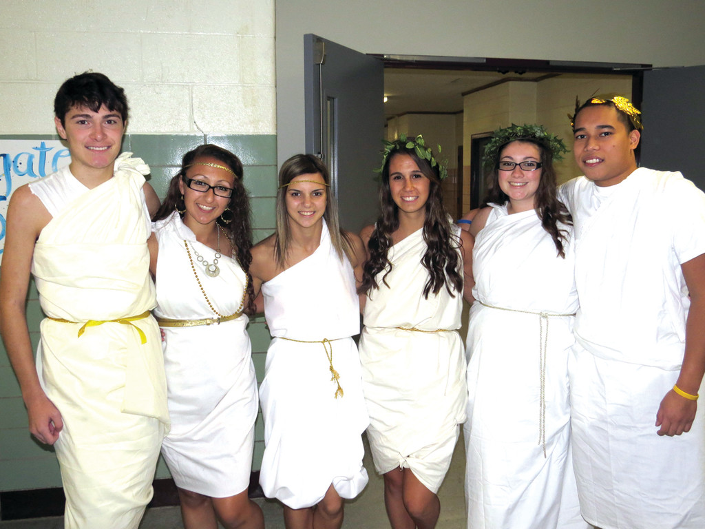 TOGA! TOGA! TOGA! Vets seniors Kevin Deming, Amber Beech, Courtney Chaffee, Lauren Smith, Alexis DiGiacomo and Tristan Heng spent a while figuring out their bedsheet togas to be Ancient Greeks for History Day. They admitted the day was hard to prepare for but turned out to be fun.