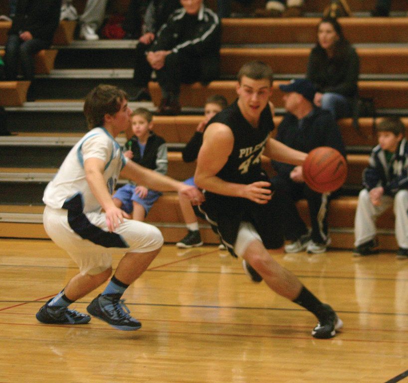FRONT LINE: Ryan Morris drives to the basket in a game last year.