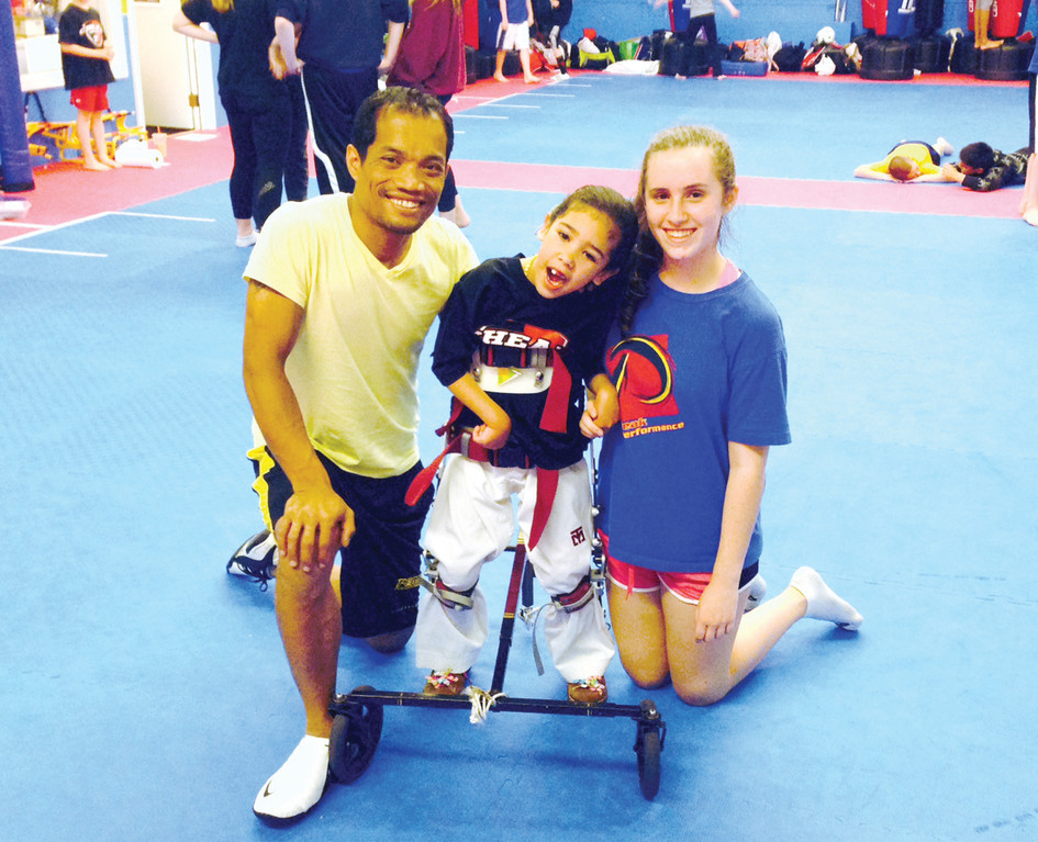 INSPIRING KIDS : Master Tom Chea with Niveyah and Sophie Colantuono.