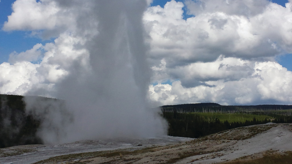 RIGHT ON SCHEDULE: About 75 minutes from the entrance was Old Faithful, a geyser well known for its punctuality and its huge eruptions into the sky. Sure enough, at 4:10 p.m. that day, the eruption took place, right on schedule.