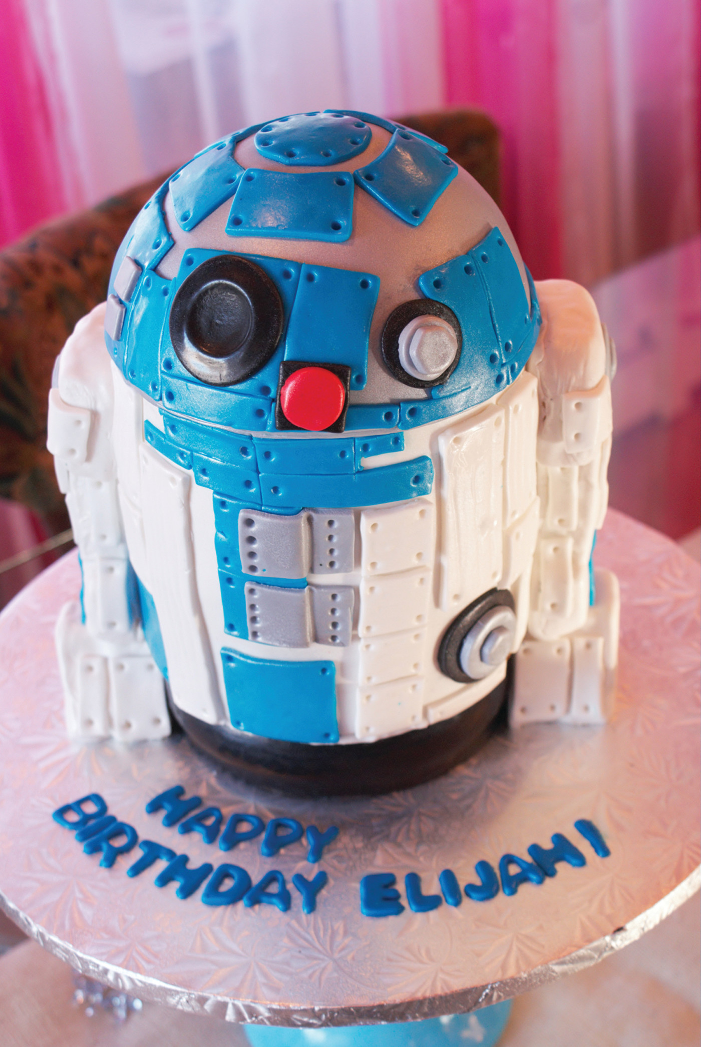 For Local Bakery Star Wars Frenzy In Full Force Cranston Herald