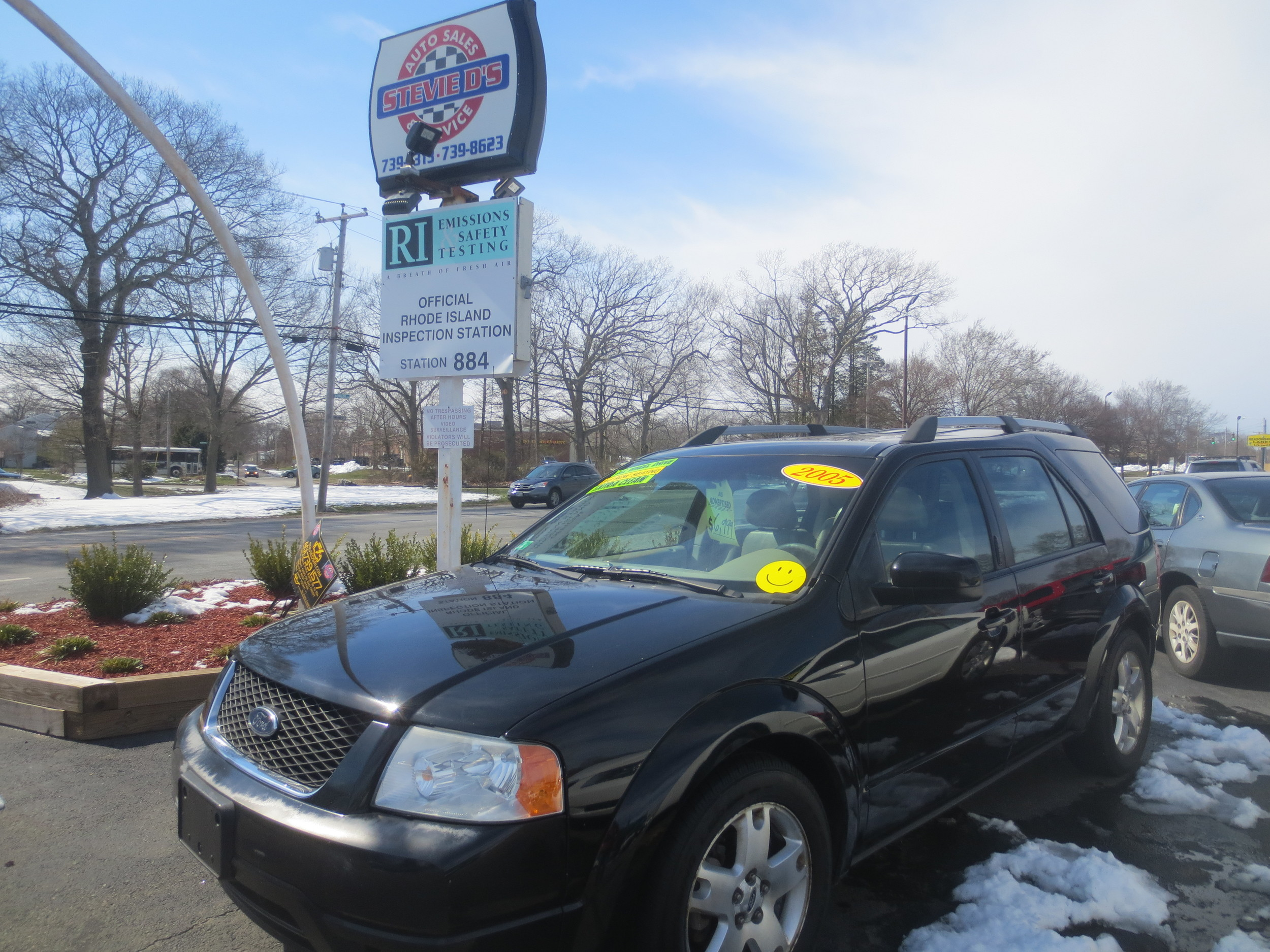 Check out this 2005 Ford Freestyle, a perfect, fully-loaded family SUV, now available on the busy lot at Stevie D's on Warwick Avenue.