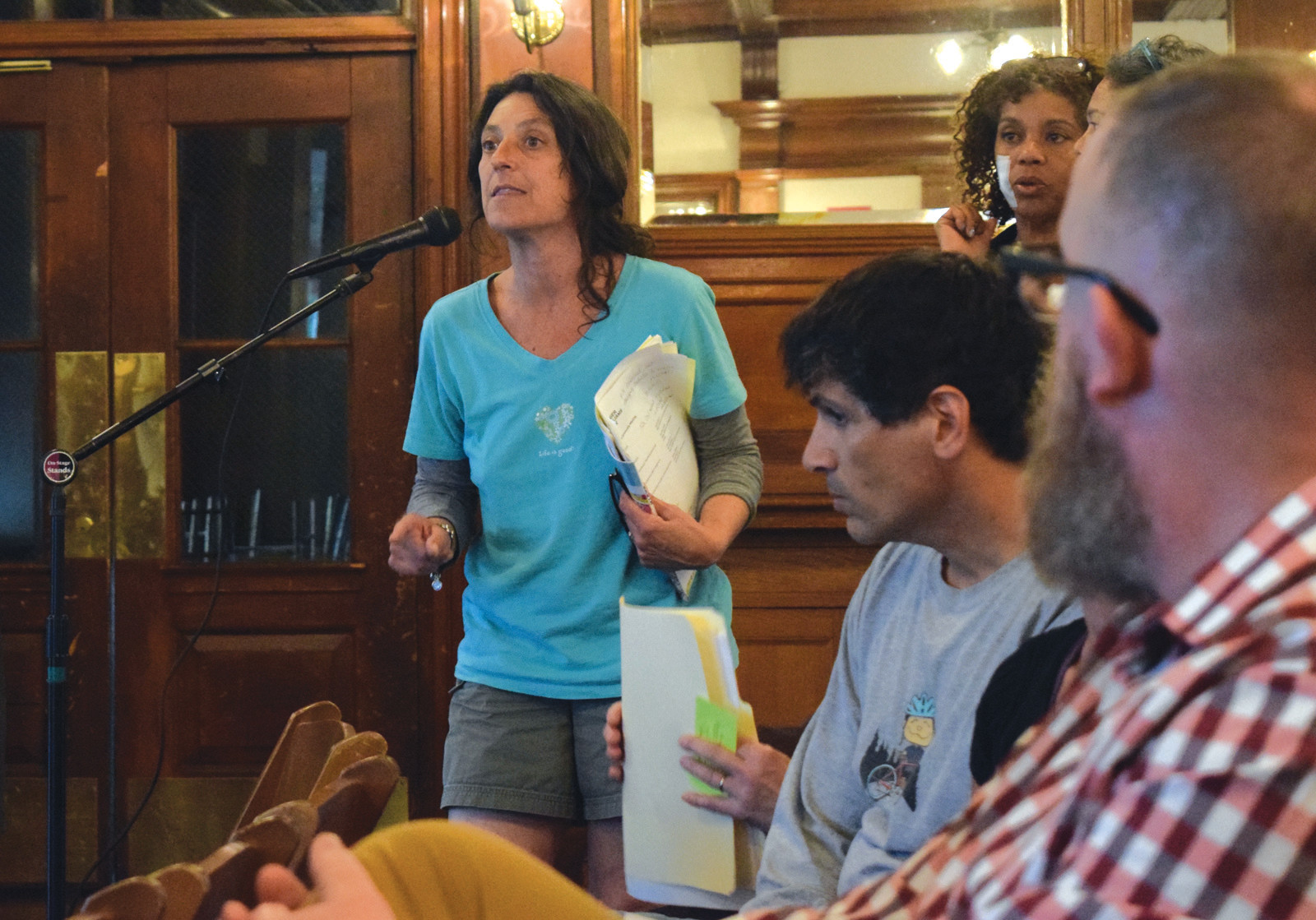 LOOKING FOR ANOTHER WAY: Lisa Gibb, who is staunchly opposed to the one-way, speaks at the Conservancy meeting on Thursday.
