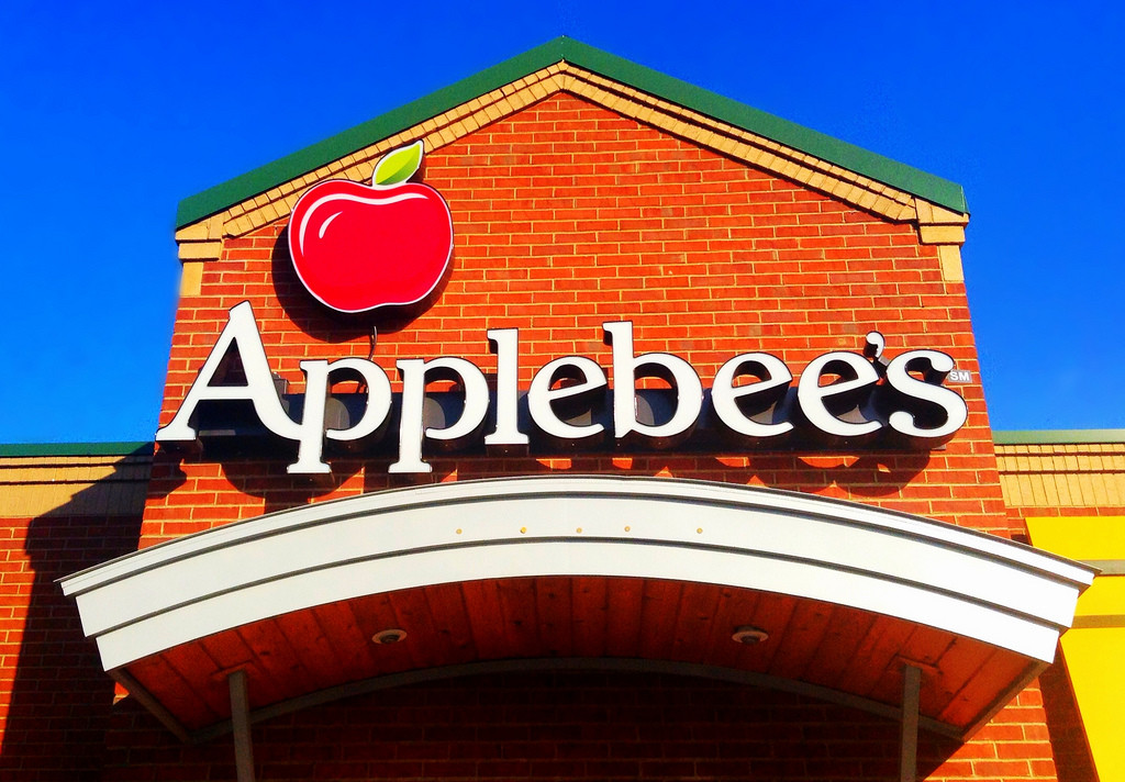 Get $1 margaritas all month long at Applebee's