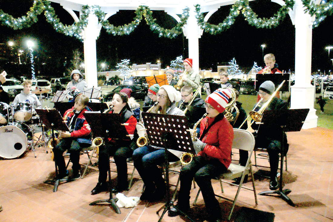 ALL THAT JAZZ: Performing at the Friday night Holiday Stroll in Garden City were the Hope Highland Middle School Jazz Band, under the direction of Mr. DiMaio.