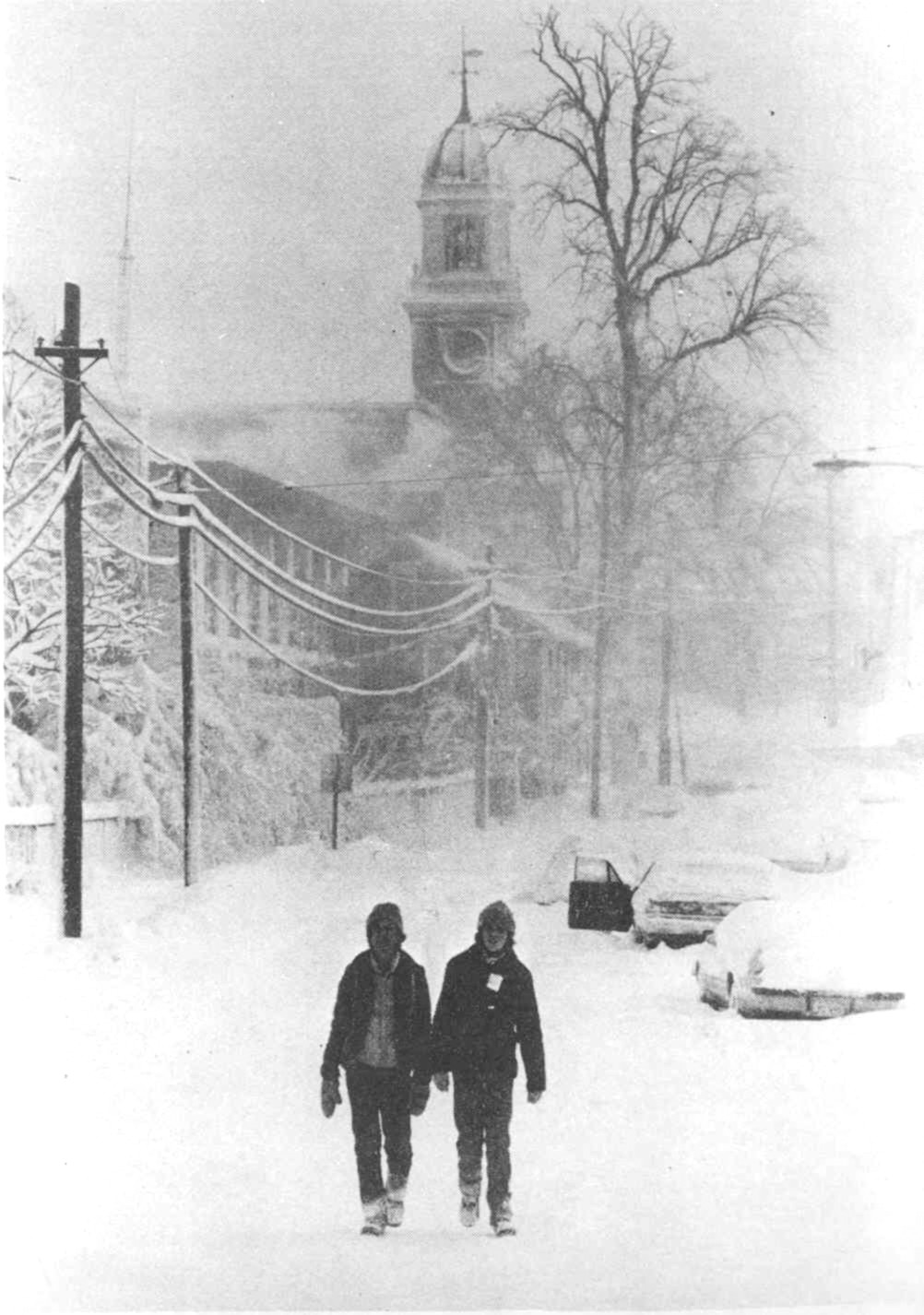 APPONAUG AT A STANDSTILL: By 4 p.m. on Feb. 6, 1978, the fast falling snow had brought commuter traffic to a halt.