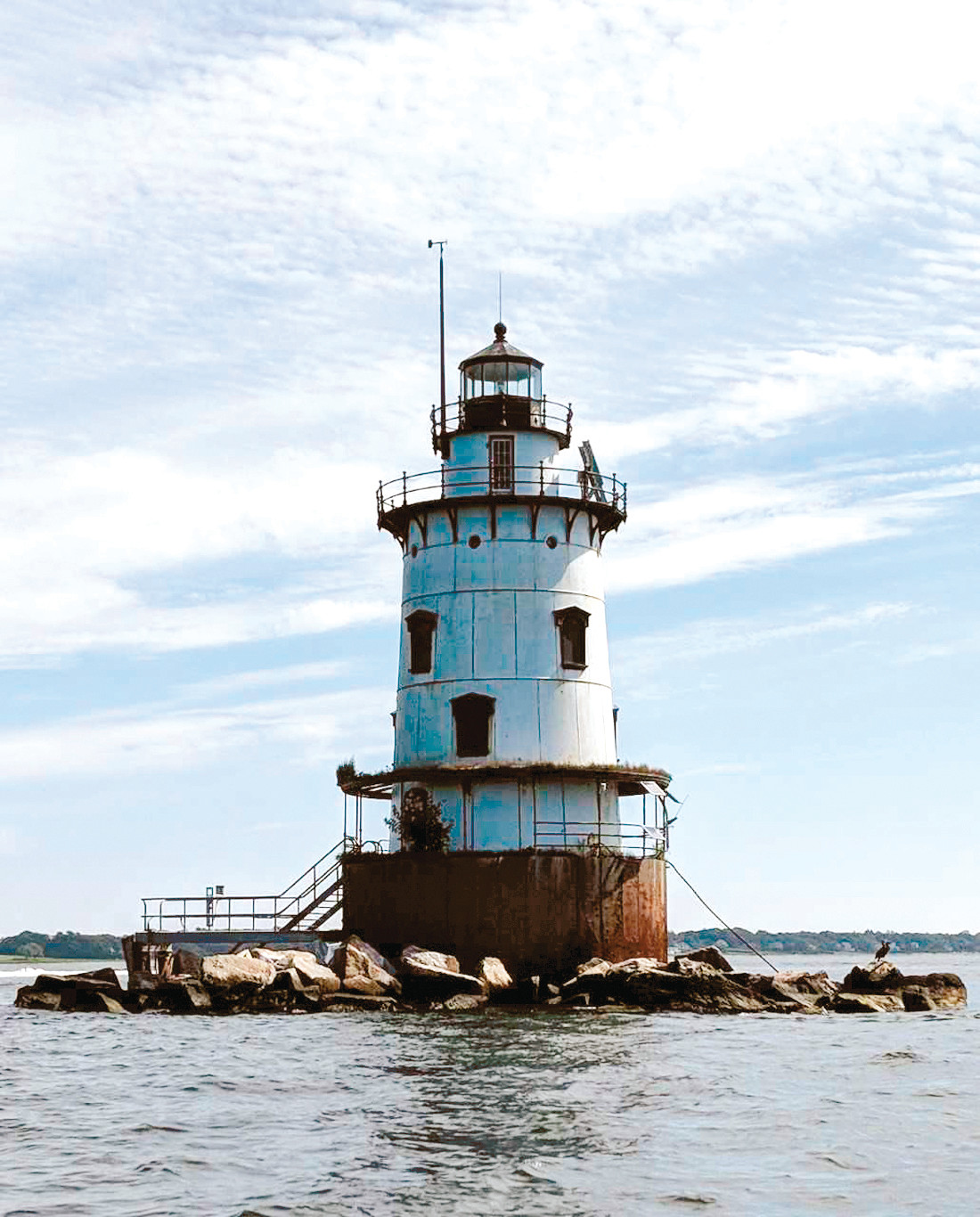 SHABBY LIGHT: Republican candidate for mayor Sue Stenhouse said this week that this picture of Conimicut Lighthouse is evidence of Mayor Joseph Solomon's failure as chairman of the Conimicut Lighthouse Foundation, a post to which he was named 14 years ago.