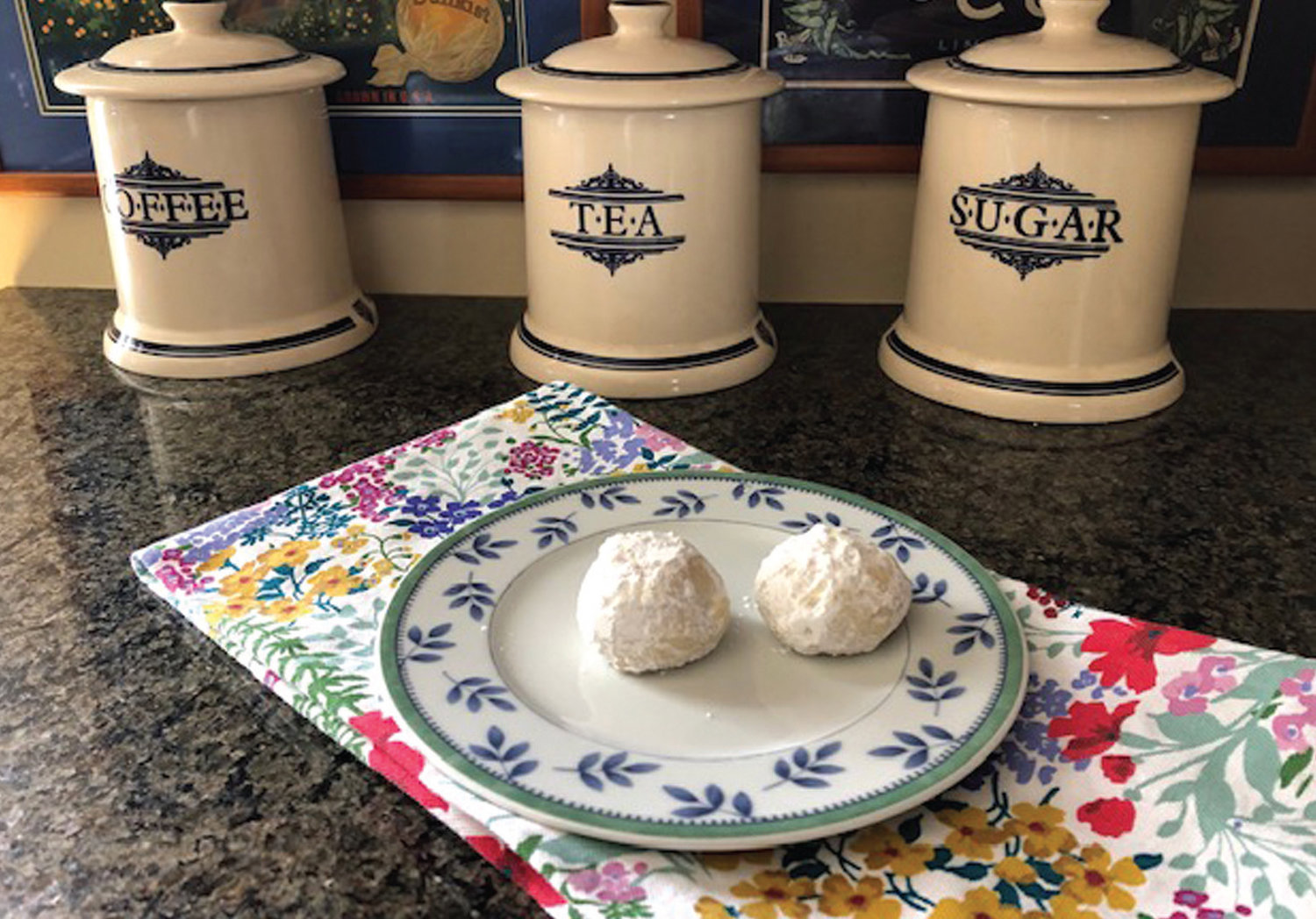 DECTABLE BITES : Russian Tea Cakes, sometimes known as snowballs, are a tempting delight no matter the occasion.